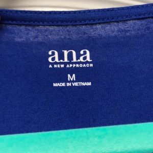 a.n.a Tops - NWOT! Ana 3/4 sleeve Cross detail top size M